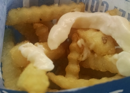French fries with mayo